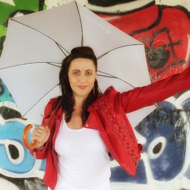 Zusammen tanzen wir im Regen