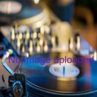 Liliane mit dem Mikrofon